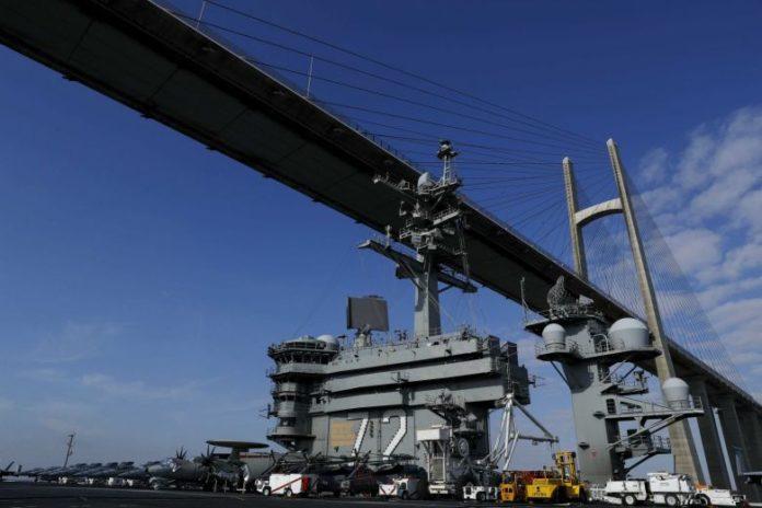 إيران تصف الجيش الأمريكي في الخليج بأنه هدف وليس تهديداً لها