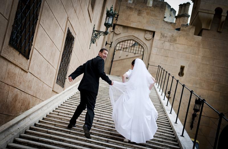 برأيك ما هو السن المناسب لزواج الفتاة مرآة العرب الإخبارية